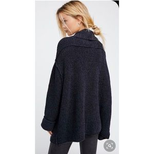 NWT-FREE PEOPLE Low Tide Cardigan (Med/Large)
